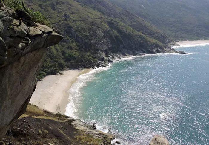 Trilhas Praias Selvagens